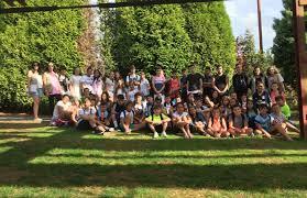 preto de sesenta rapaces e rapazas participan nunha excursión ao