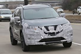 nissan rogue krom edition 2017 nissan rogue spied with cosmetic updates autoevolution