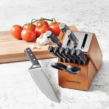 calphalon kitchen knives calphalon sharpin 12 self sharpening knife set
