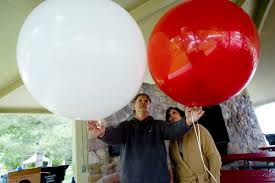 large balloons helium shortage weighs on users big and small the salt lake tribune