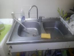 comment demonter un evier de cuisine comment retirer un évier en inox collé au mur