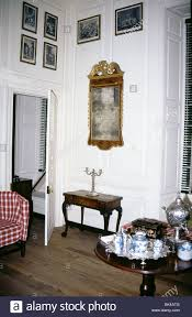 museum exhibit of a home interior in colonial williamsburg