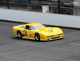 imsa corvette imsa gt1 corvette tackles mid ohio raceway gm authority