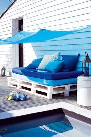 faire un canapé avec un lit canapé lit matelas palettes de bois