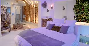 chambre d hote de luxe avec suite nature rond 2 places lit rond toit pyramidion