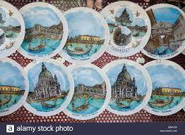 keepsake plates keepsakes souvenir plates with motives from venice veneto italy