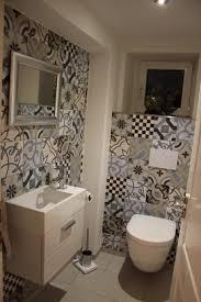 wandgestaltung gäste wc kleine badezimmer einrichten gestalten
