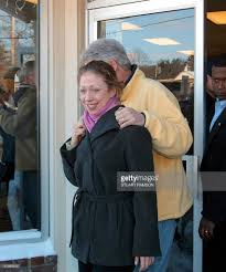 Hillary Clinton Chappaqua Ny Address by Chelsea Clinton Front Leaves Langes Little Store Pictures