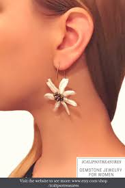 flower shaped earring with pearls and bronze crystals these gold