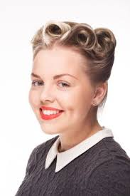 Hochsteckfrisurenen Kurs by 1950s Style By Sonya Park Howie Photo By Chalmers Updos