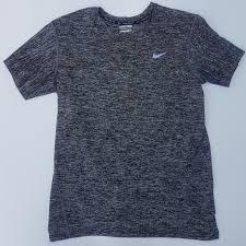Baju Nike baju olahraga nike slimfit preloved fesyen pria pakaian di carousell