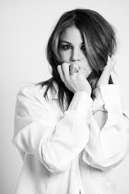 nicole from days of our lives haircut days of our lives kate mansi talks socal surfer hair why she s