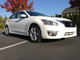 altima nissan 2013 green car reports 2013 best car to buy nominee nissan altima