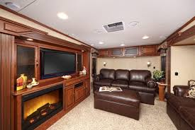 5th wheel with living room in front terrific fifth wheel cers with front living rooms verambelles