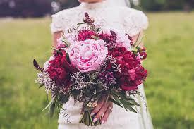 wedding flower top wedding flower trends for 2017 weddingsonline