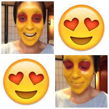 y alien heart eyes emoji