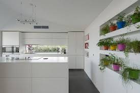 pots cuisine d oration déco cuisine contemporaine en plantes aromatiques en pots