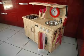 cuisine en bois pour fille jouet en bois cuisiniere pour enfant