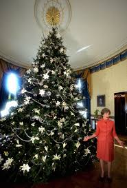 White House Christmas Decorating White House Christmas Decorations Through The Years