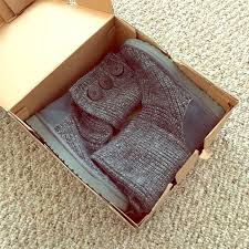 s knit boots size 12 40 ugg shoes eeeuc ugg cardy knit boot in grey
