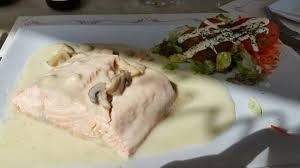 cuisine au vin blanc saumon poché au vin blanc picture of ricardo oostduinkerke
