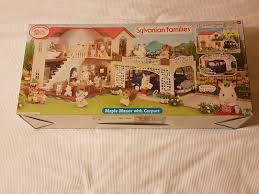 bnib sylvanian families maple manor house with carport u2022 67 00