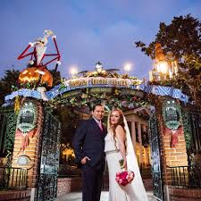 10 photos of couples getting married at disneyland on halloween