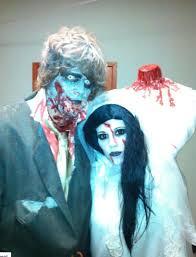 Halloween Costume Headless Man Holding Head Headless Bride Winner 100 Halloween Costume Contest