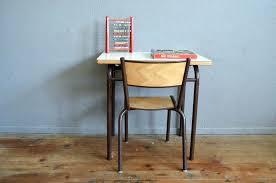 bureau vintage enfant chaise vintage enfant ambiance enfant rotin et 4 chaises vintage