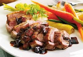 canard cuisine poitrines de canard et légumes rôtis sauce aux pommes et au porto