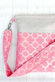 pattern for tote bag with zipper cute zipper tote bag tutorial crazy little projects