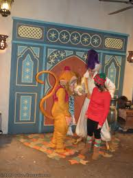 abu and aladdin with guest at mickey u0027s very merry christmas party