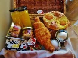 breakfast baskets one of the breakfast baskets picture of hotel du vieux