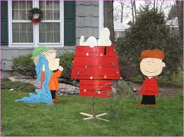 Christmas Yard Decorations Peanuts unbelievable charlie brown christmas outdoor decorations most