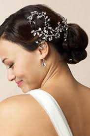 wedding hair accessories to look for while shopping