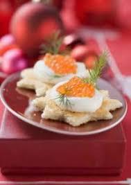 canapé saumon canapés au oeufs de saumon