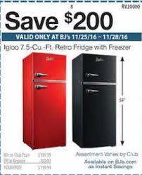 Dealigg Barnes And Noble Black Friday Deal 200 Off Igloo 7 5 Cu Ft Retro Fridge W