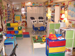 arts and crafts daycare decorating ideas