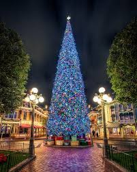 When Is Disney Decorated For Christmas Best 25 Disneyland Paris Christmas Ideas On Pinterest