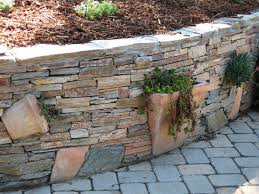 Diy Ideas For Flower Bed Walls Planters Built Into The Stone Wall Gardening Backyard Diy U0027s And
