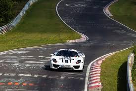 porsche cars news 918 spyder laps nà rburgring in 7 14 min