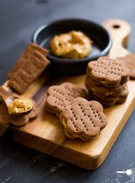 chocolate crackers with peanut butter filling gluten free