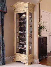 Curio Cabinets At Rooms To Go I Need A Curio Cabinet Too Philip Reinisch Color Time Panorama