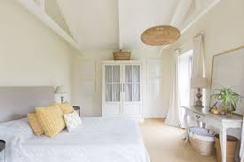 cut bedroom clutter personal organizing your bedroom is better off without these 12 items