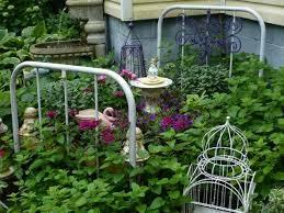 Outdoor Garden Crafts - 22 best flower bed lecho de flores images on pinterest flower