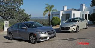 honda civic or hyundai elantra 2017 hyundai elantra vs 2016 honda civic the compact sedan is all
