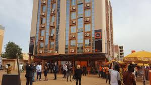 orange siege la stratégie de la marque orange en afrique rfi