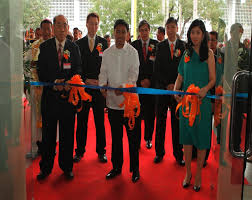Cw Shower Doors by Cw Home Depot Opens It U0027s New Branch In Makati