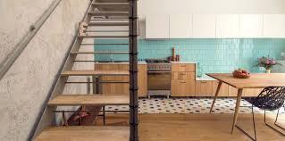 quelle couleur cuisine quelle couleur de crédence pour ma cuisine en bois femme actuelle