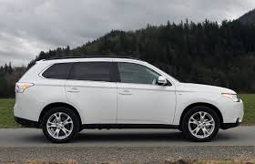 subaru outlander 2014 suv review 2014 mitsubishi outlander driving